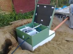 Евробион подключен к сети водоснабжения и электропитанию